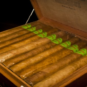 cigar19_00